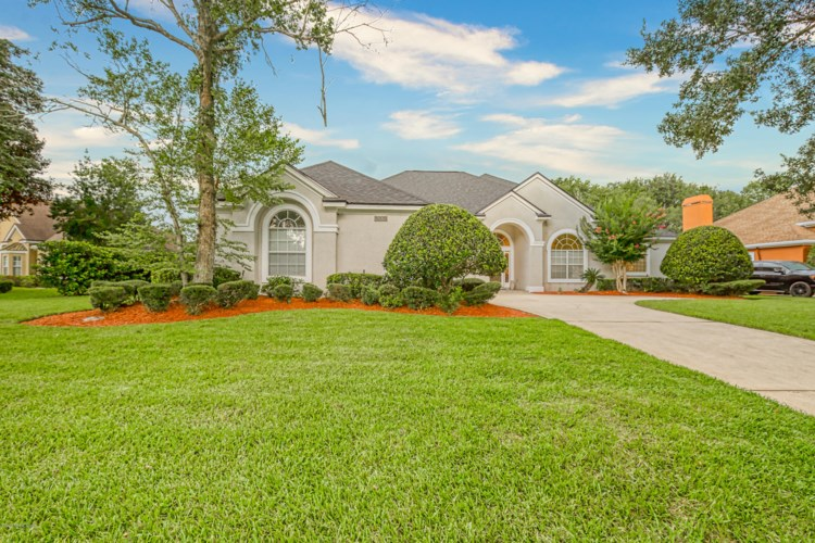 8205 BAY TREE LN, JACKSONVILLE, FL 32256