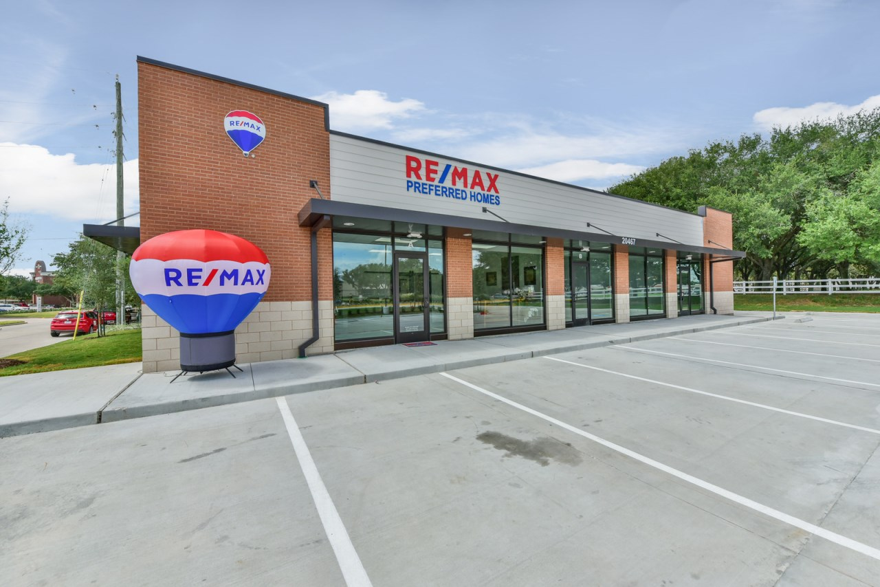 RE/MAX Preferred Homes