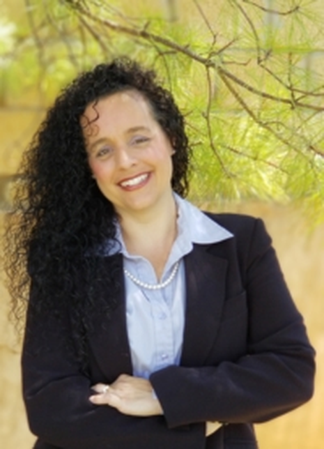 Angela Henisa