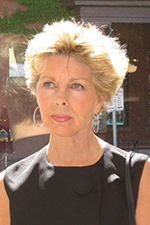 Lyn Papanikolas