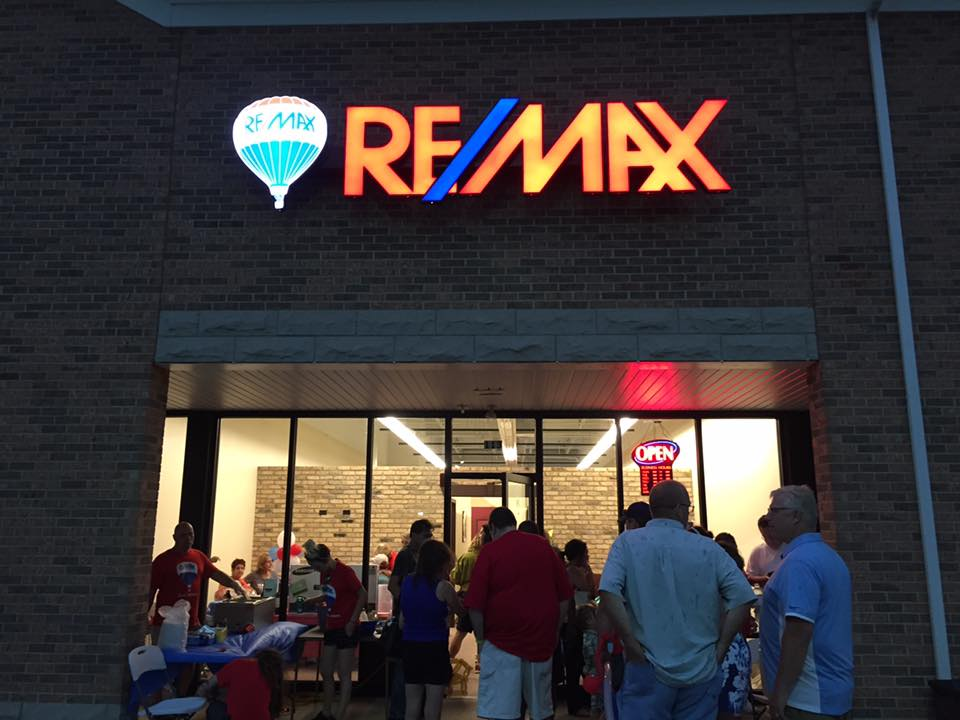 RE/MAX Deal Makers