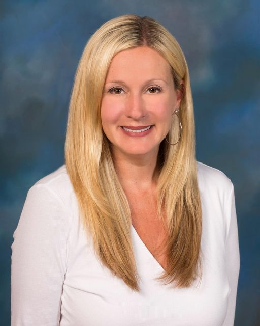Jennifer J Minniti