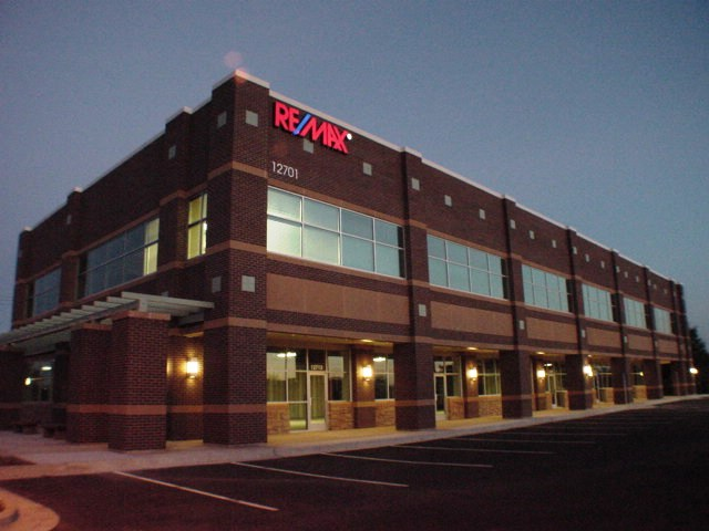 RE/MAX Realty Suburban-Commercial Division