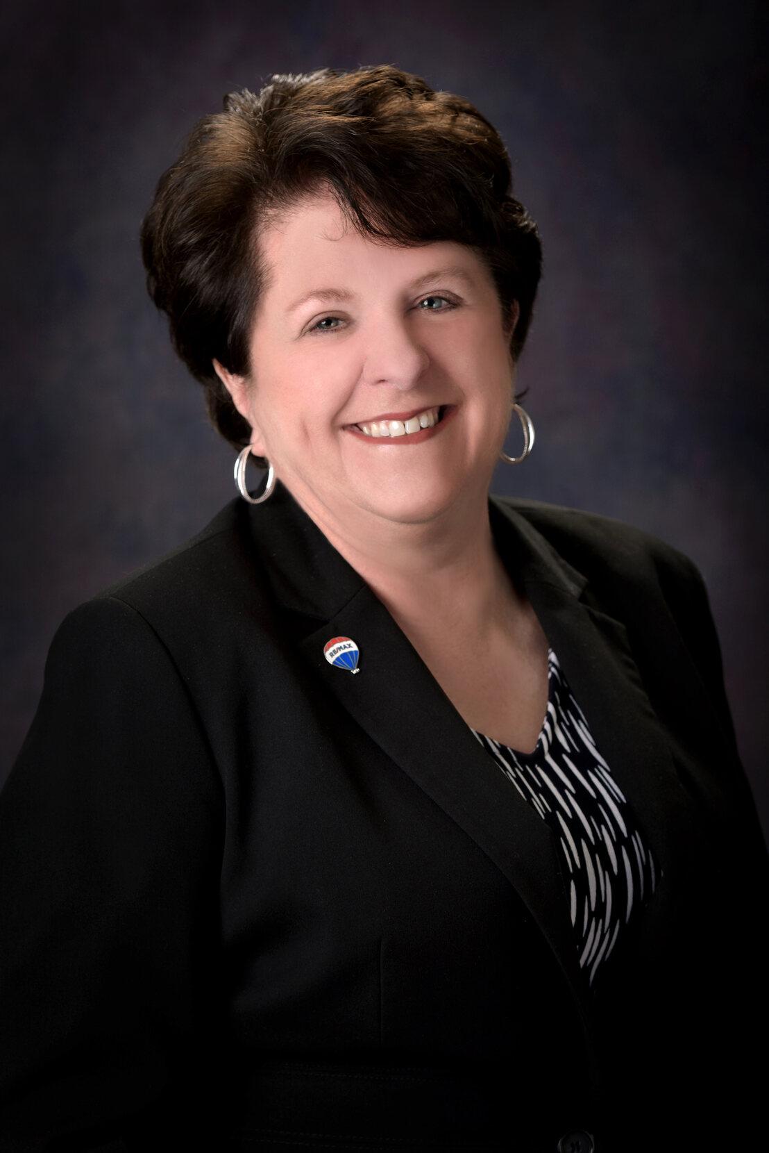 Sandra Lowrey