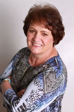 Evelyn Dean